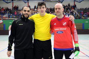 Hamza Kayahan (li.), Terje Scheffel und Sven Lund wurden nach der Vorrunde geehrt. Foto: Heiden